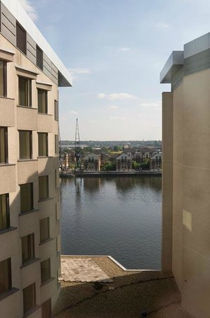 Novotel London ExCeL: View from 6th floor room