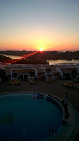 Isla Paraiso: Sunrise