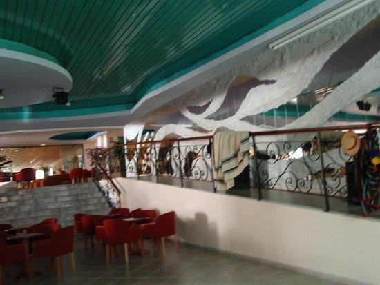Gran Hotel Turquesa Playa: Cafeteria-baile