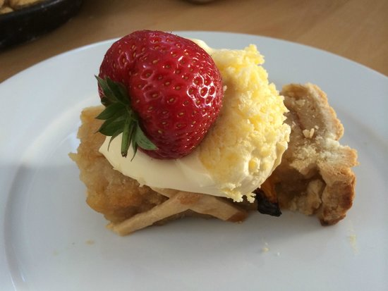 Olive's Garden : If you are a treacle tart fan - you won't beat this!
