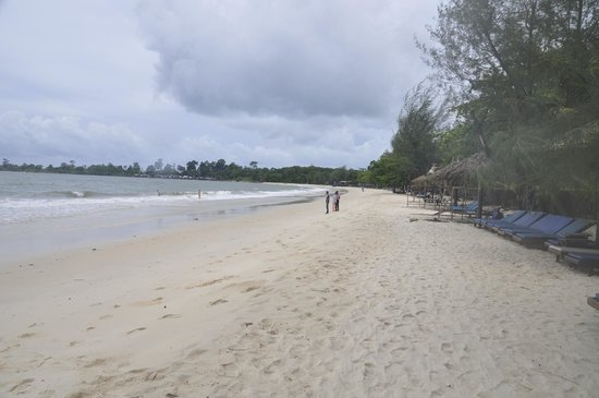 Sokha Beach Resort: Private beach for resort patrons