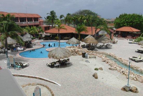 Paradise Beach Villas : lovely pool area