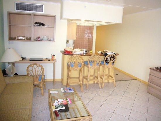 Paradise Beach Villas : kitchen area