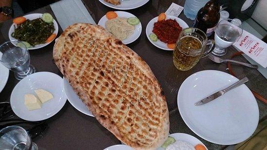 Oz Urfa: Delicious warm bread