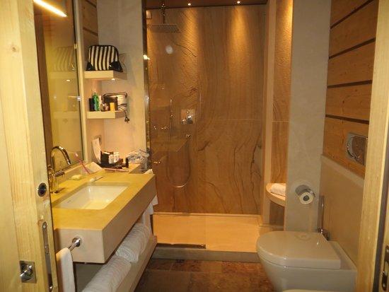 Rosapetra Spa Resort: our bathroom