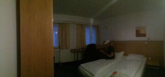 Hotel Zach: Hotel room