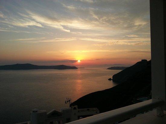 Ampelos Greek Restaurant & Wine Bar: The sunset view