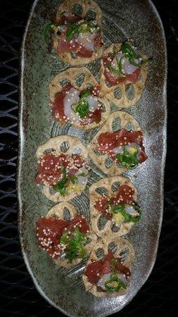 Shinjuku Station : Hokkaido scallops & tuna tartar on lotus root. The lotus was surprisingly crispy! Must try it.