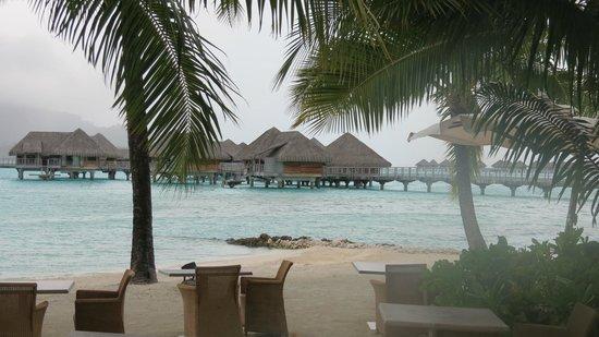 InterContinental Bora Bora Resort & Thalasso Spa: vista spiaggia2