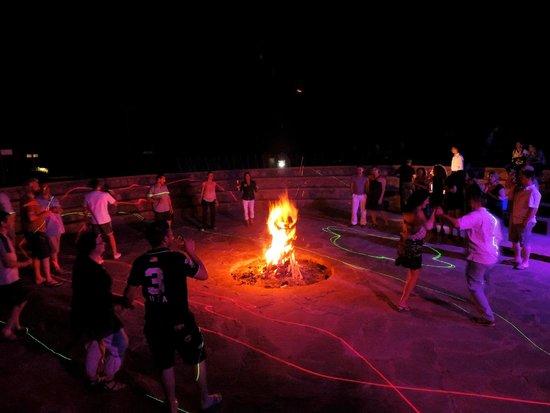 Couleurs Berberes : La fête autour du feu à Couleurs berbères