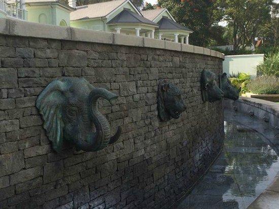 Hemingways Nairobi: the big 5 fountain style