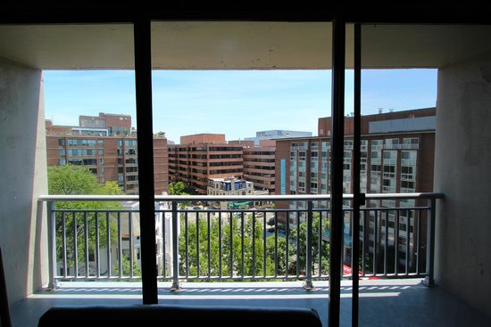 Kimpton Hotel Madera: View of the balcony from inside the room.