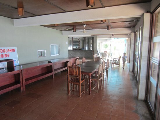 Sunset Hotel : Dining area and entrance to hotel