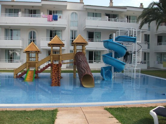 Hoposa Hotel & Apartments Villaconcha: Children's play area