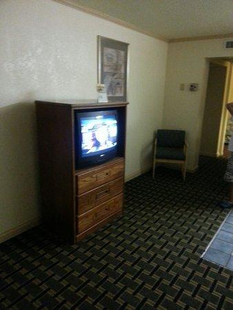 Cerca Del Mar: TVs(suite)