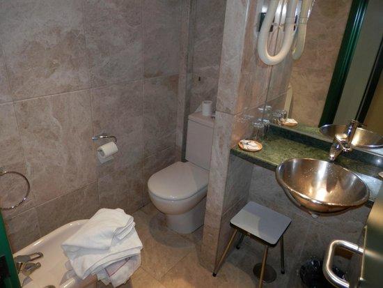Hotel Anaco : Baño