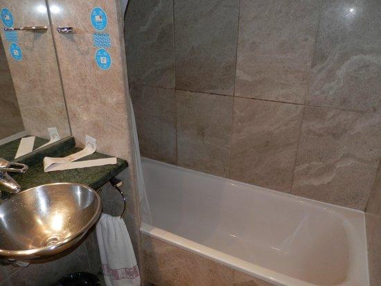 Hotel Anaco: Baño
