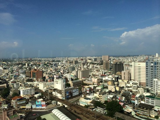 Shangri-La's Far Eastern Plaza Hotel Tainan: view from superior room on 25th floor