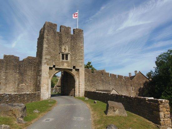 Farleigh Hungerford Castle: Gatehouse