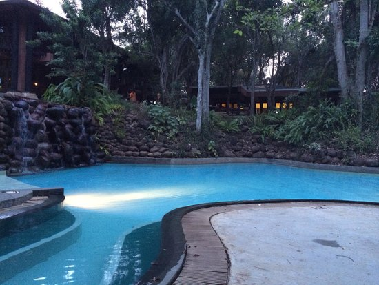 Deer Park Hotel: Piscina