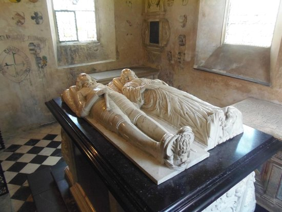 Farleigh Hungerford Castle: Tomb