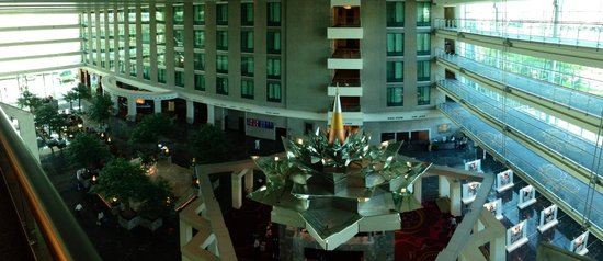 Novotel Bangkok Suvarnabhumi Airport: View of the lobby