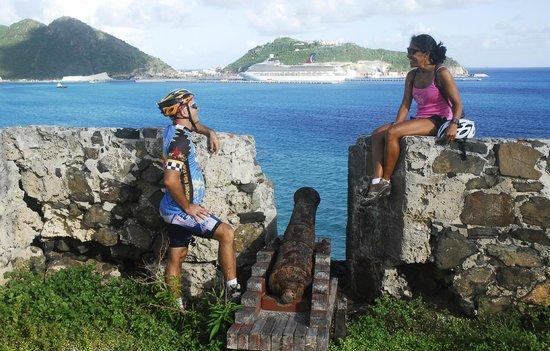 bahía de Simpson, St. Maarten: Enjoying the view at Fort Amsterdam on the Historical Bike Tour