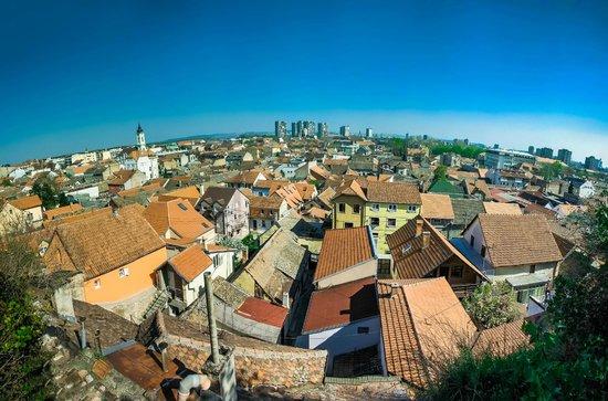 Gardos - Tower of Sibinjanin Janko : Вид на Земун с Гардоша