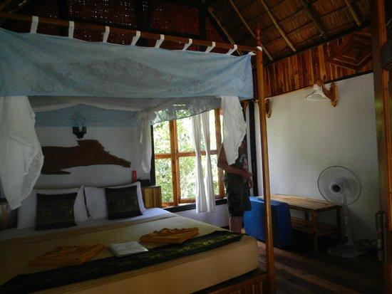Phi Phi Relax Beach Resort : chambre