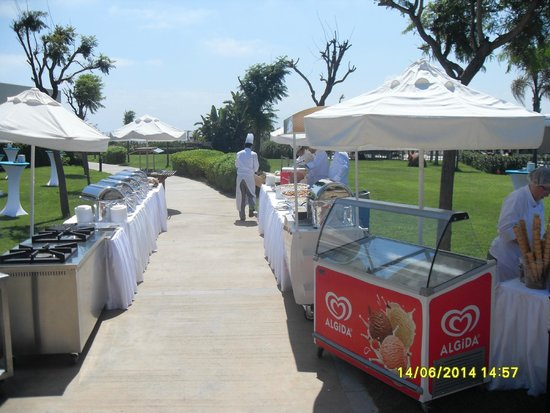 Baia Lara Hotel: Afternoon BBQ