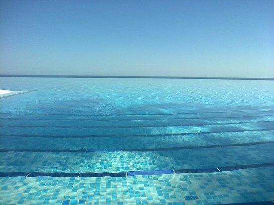 Playacalida Spa Hotel: Infinity pool