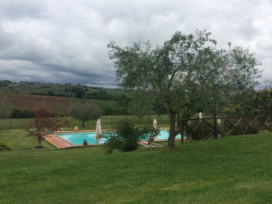 Holiday House Borgo Badia : Pool