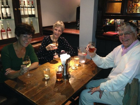 St. George's Tavern: Dinner with friends