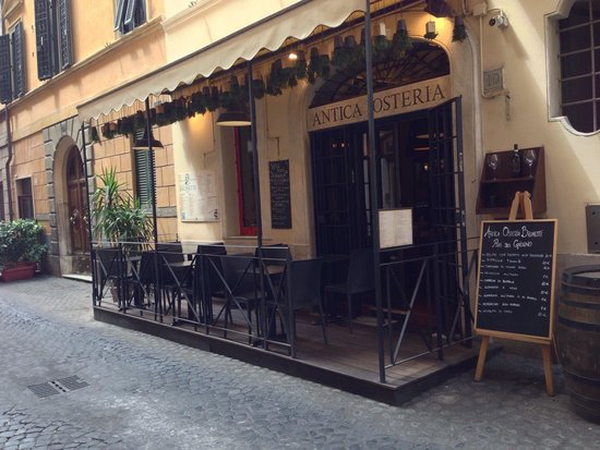 Antica Osteria Brunetti : From the outside during the daytime.