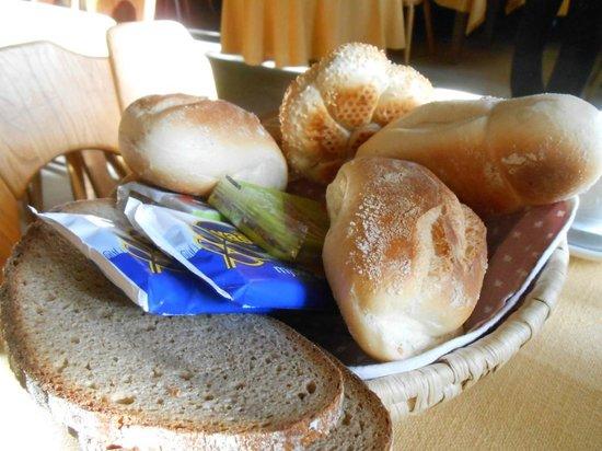 Hotel-Gasthof Goldener Greifen: Breakfast for two