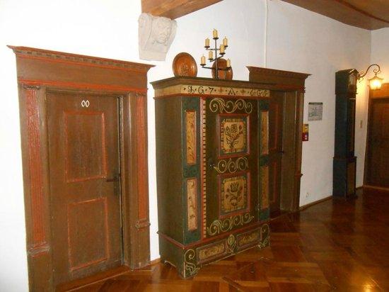Hotel-Gasthof Goldener Greifen: First floor rooms