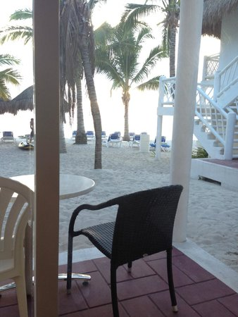 Sunscape Sabor Cozumel : Just a few steps away from the beach