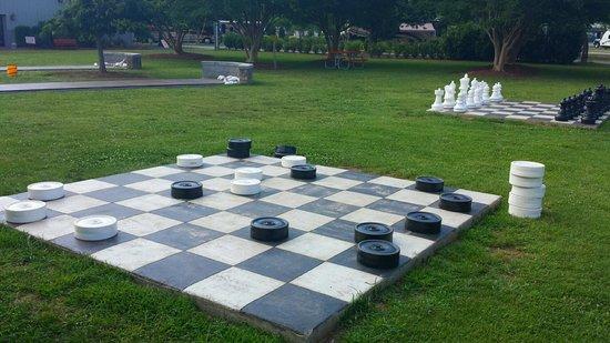 Nashville KOA: Bowling & checkers