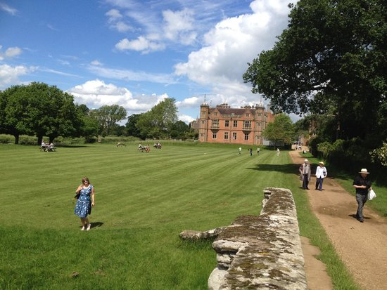 The Charlecote Pheasant Hotel : Nearby NT property