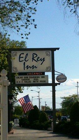 El Rey Court : L'hôtel