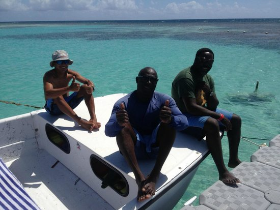 Stingray City : Captain and crew--nice peeps all of them!