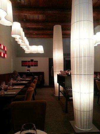 Vista Parcial Do Salao Picture Of La Table Du Fort Restaurant