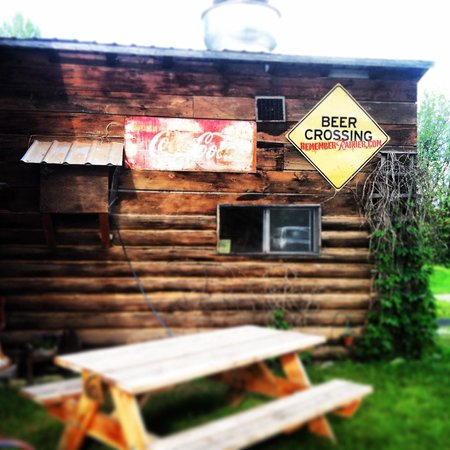 North Fork Hostel and Square Peg Ranch: The hostel restaurant