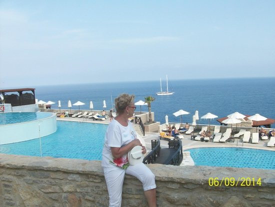 Kalithea Mare Palace : Widok na baseny