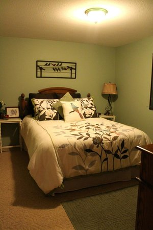 Sutherland Blueberry Bed & Breakfast: Second Bedroom