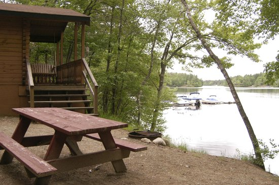 Danforth Bay Camping & RV Resort: Rustic Cabin on Ossipee Lake