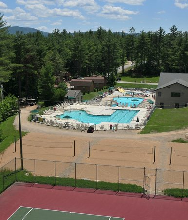 Danforth Bay Camping & RV Resort: View of tennis courts and pool