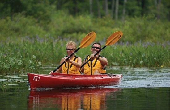 Danforth Bay Camping & RV Resort: Kayaking in Ossipee Lake