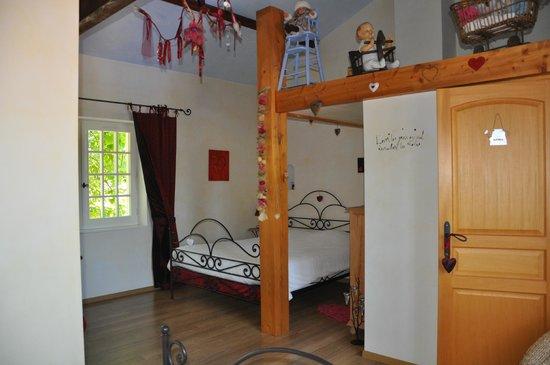 Le Relais du Grand Logis : chambre avec 2 lits double