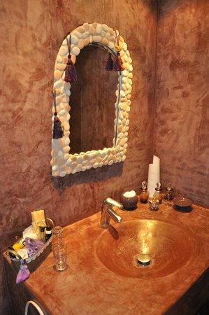 Le Relais du Grand Logis : Salle de bains de la suite